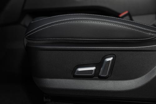第三代哈弗H6 Pro主驾座椅调节