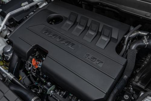 新哈弗H6 Coupe自动豪华智联版发动机(侧方特写)