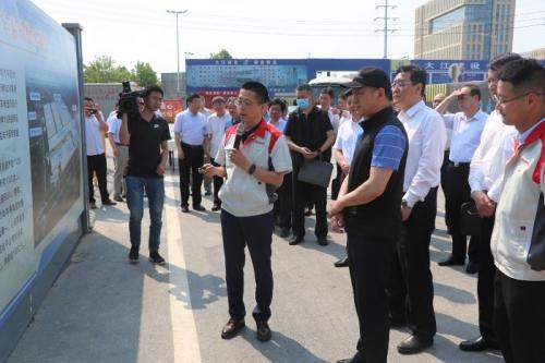 江苏省刘旸副省长一行莅临泰州项目调研指导