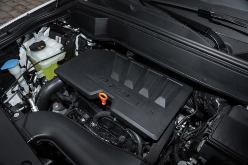 2021款哈弗F7 i 型发动机(侧方特写)
