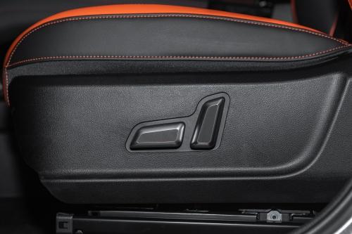 2021款哈弗F7x极智潮玩版1.5T主驾座椅调节