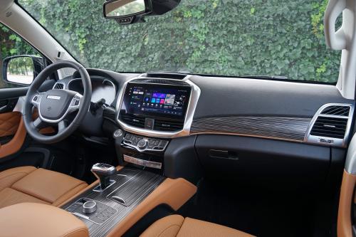 哈弗H9 2022款 尊享型前排坐席(副驾侧视角)